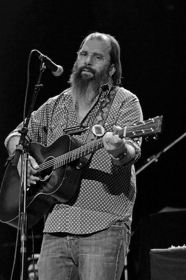 Steve Earle_B&W small_by Chris M. Junior.jpg