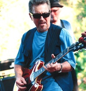 Johnny Rivers_photo by Guy Webster